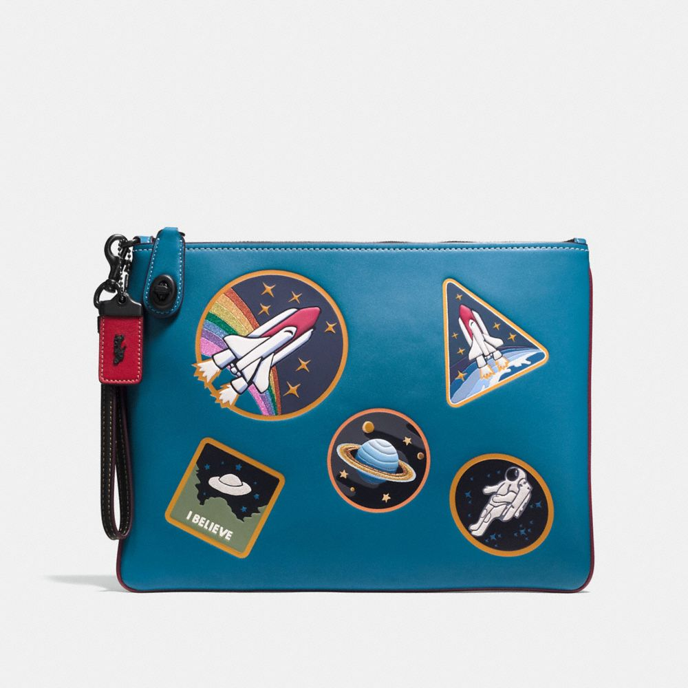 TURNLOCK WRISTLET 30 WITH SPACE PATCHES