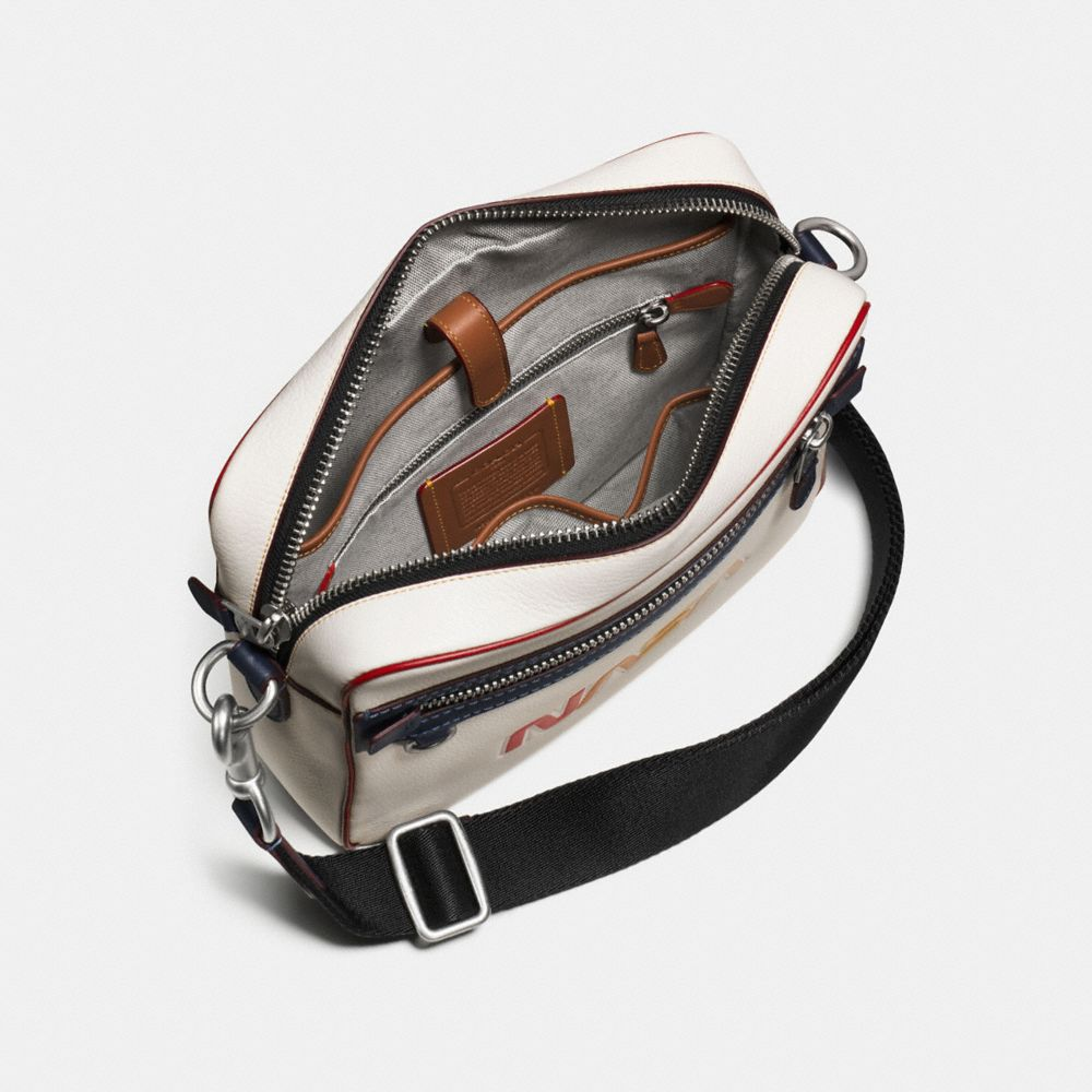 Dylan Bag in Glovetanned Pebble Leather With Embossed Space - Visualizzazione alternativa A2