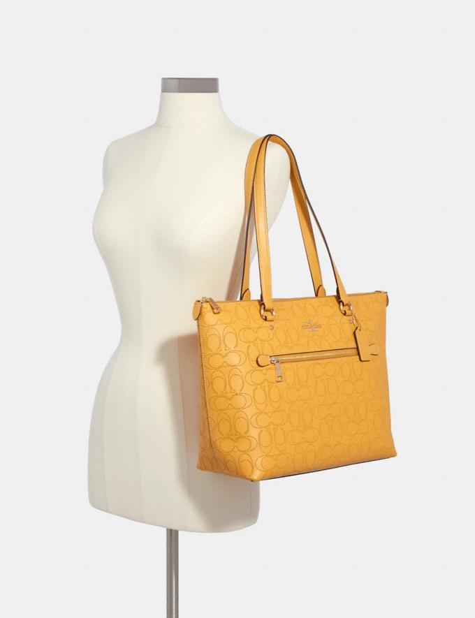 Coach Gallery Tote in Signature Leather Im/Honey Deals Best Deals of the Week Alternate View 3
