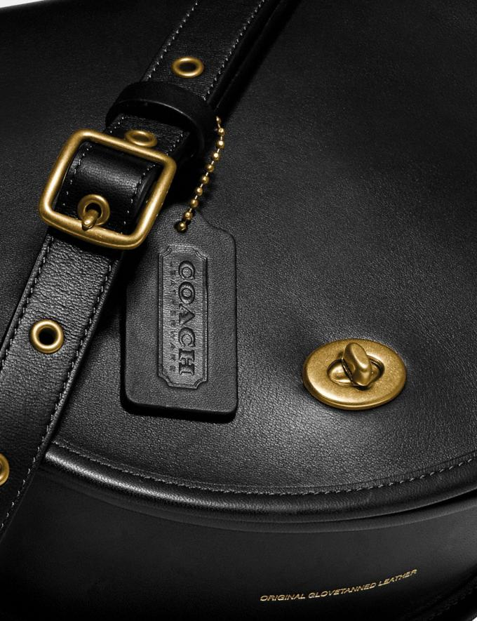 Coach Turnlock Saddle Crossbody Ol/Black Gifts For Him Under $500 Alternate View 4