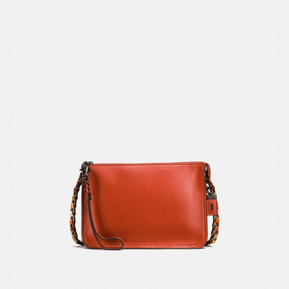 SOHO CROSSBODY WITH COACH LINK DETAIL