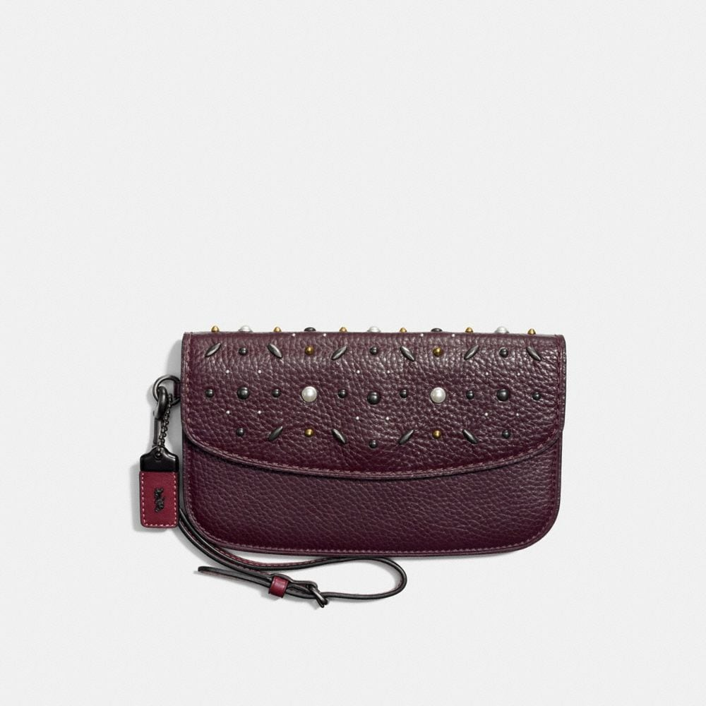 Coach Clutch With Prairie Rivets
