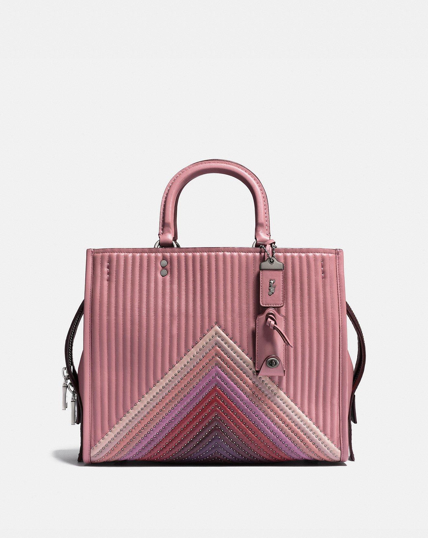 Большая классическая сумка Coach черного цвета (Fashionette)  https   rstyle.me n c93u7uchkpf — Маленькая сумка Coach черная с паетками  (Fashionette) ... e3897303da9cc
