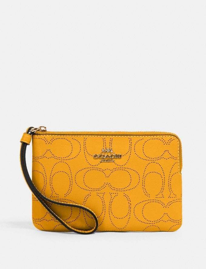 Coach Corner Zip Wristlet in Signature Leather Im/Honey