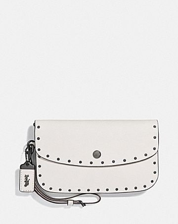CLUTCH WITH RIVETS