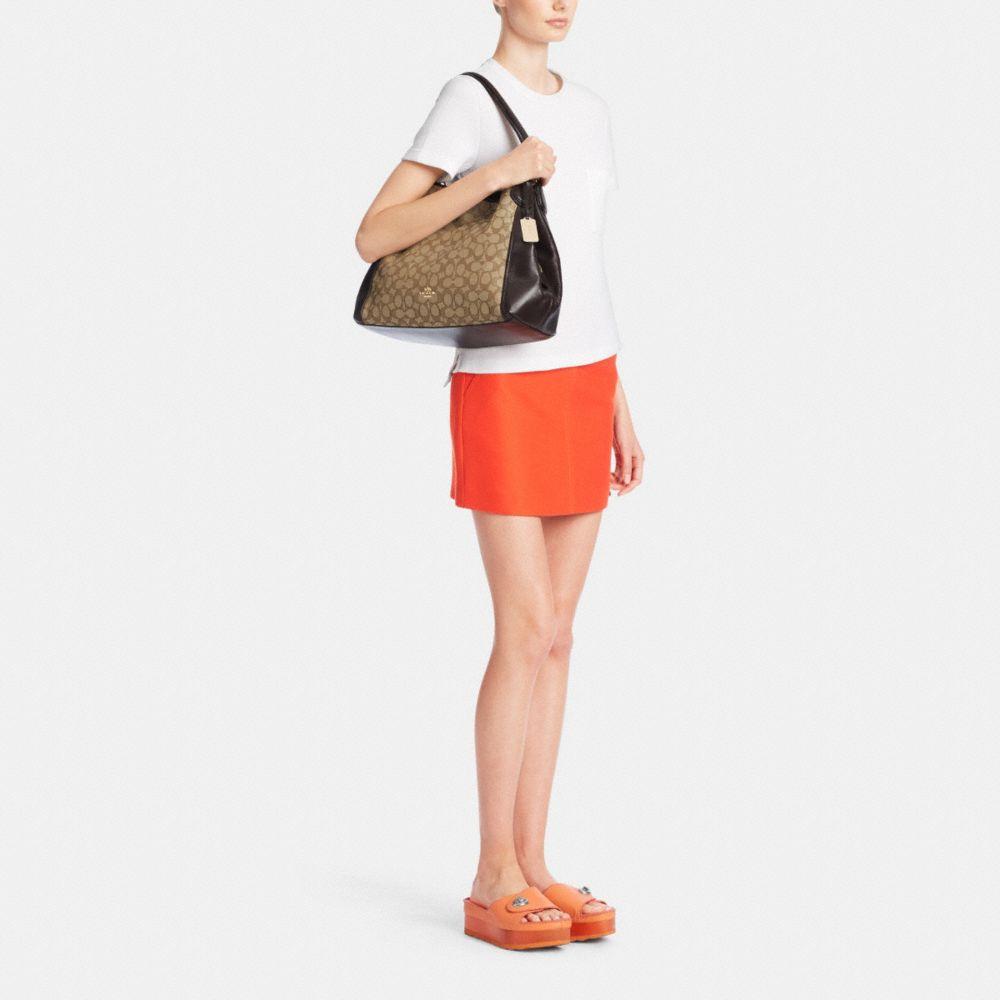 Edie Shoulder Bag in Signature Jacquard - Autres affichages M