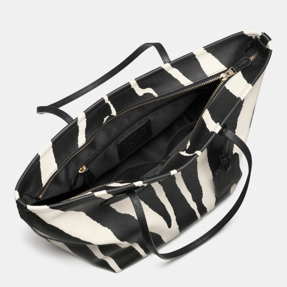 COACH TAXI ZIP TOP TOTE IN ZEBRA PRINT LEATHER - Autres affichages A3