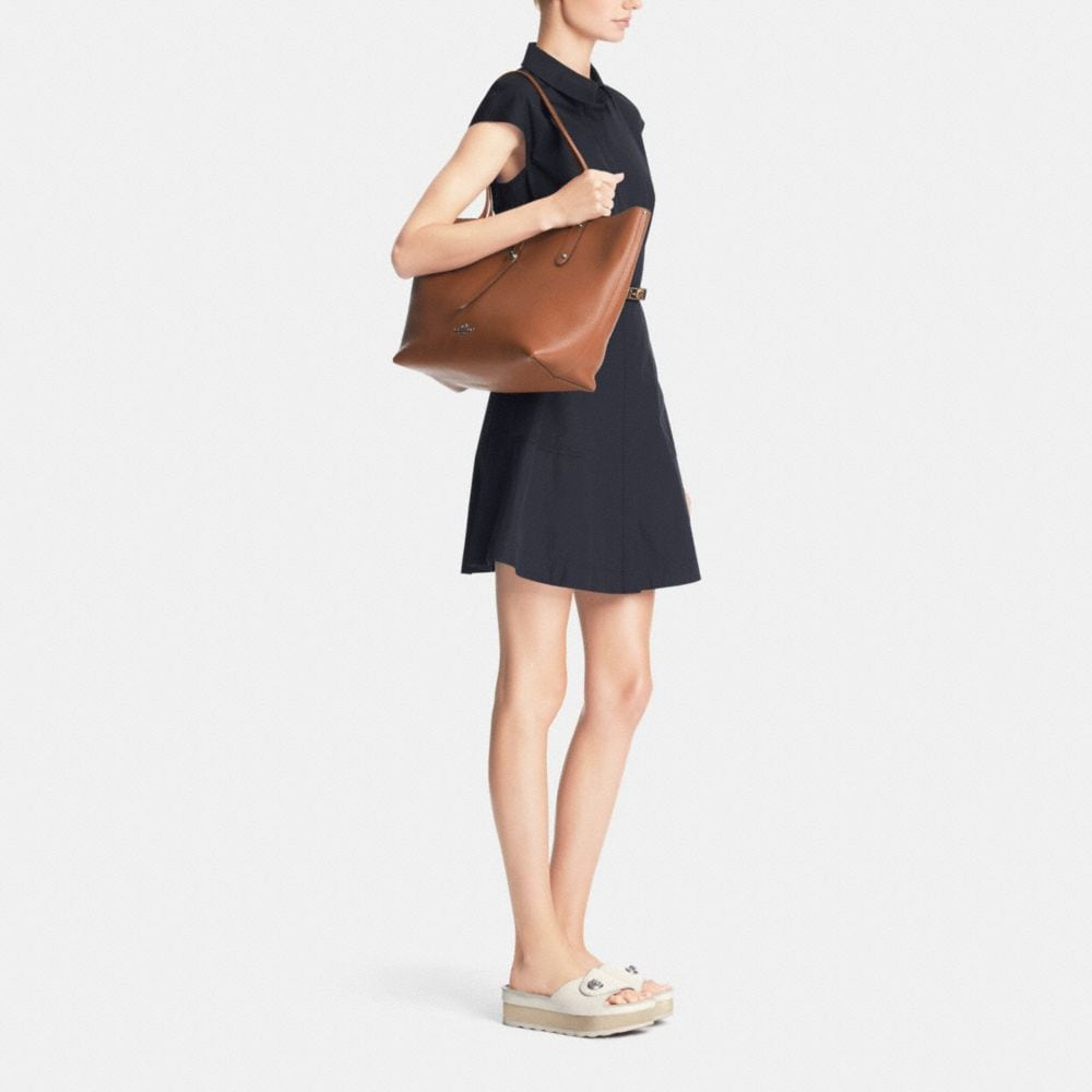 Market Tote in Refined Pebble Leather - Autres affichages M