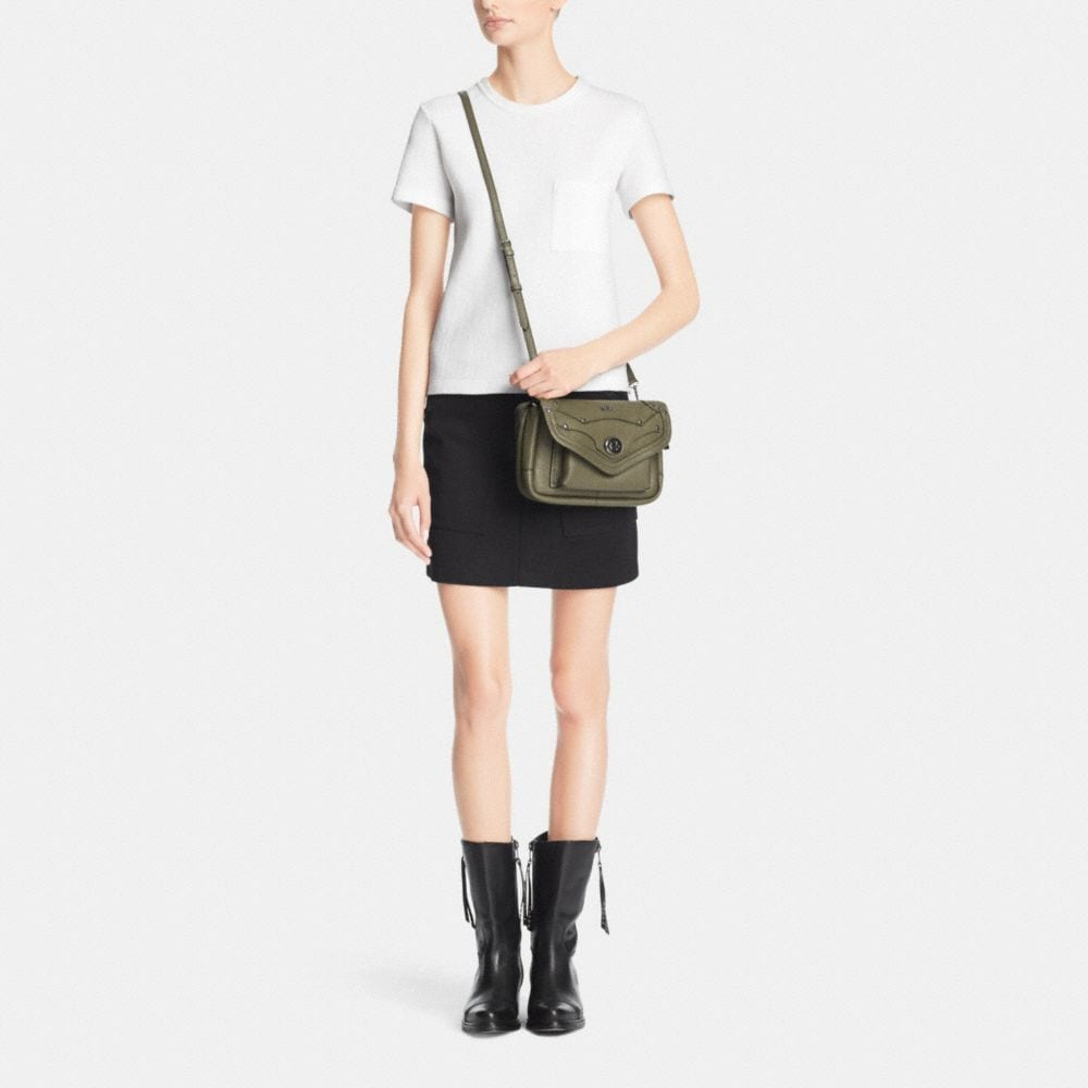 RHYDER CROSSBODY IN PEBBLE LEATHER - Autres affichages M1