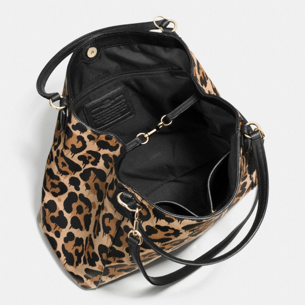 Edie Shoulder Bag 28 in Wild Beast Print Leather - Autres affichages A3