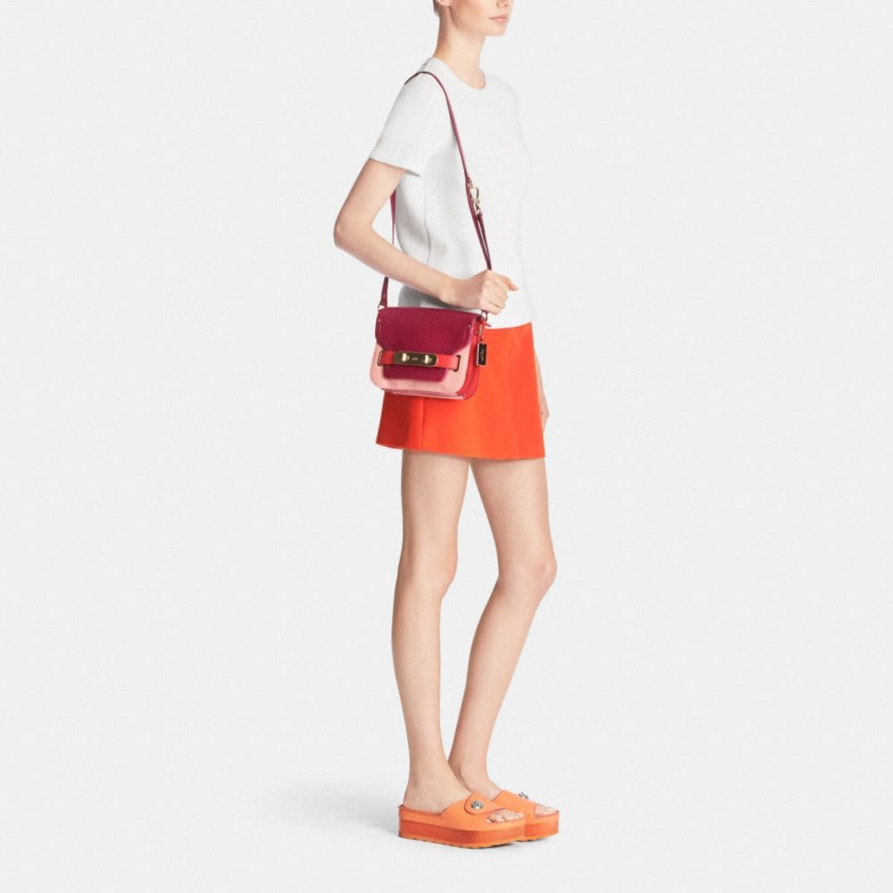 COACH SWAGGER SMALL SHOULDER BAG IN COLORBLOCK PEBBLE LEATHER - Alternate View M2
