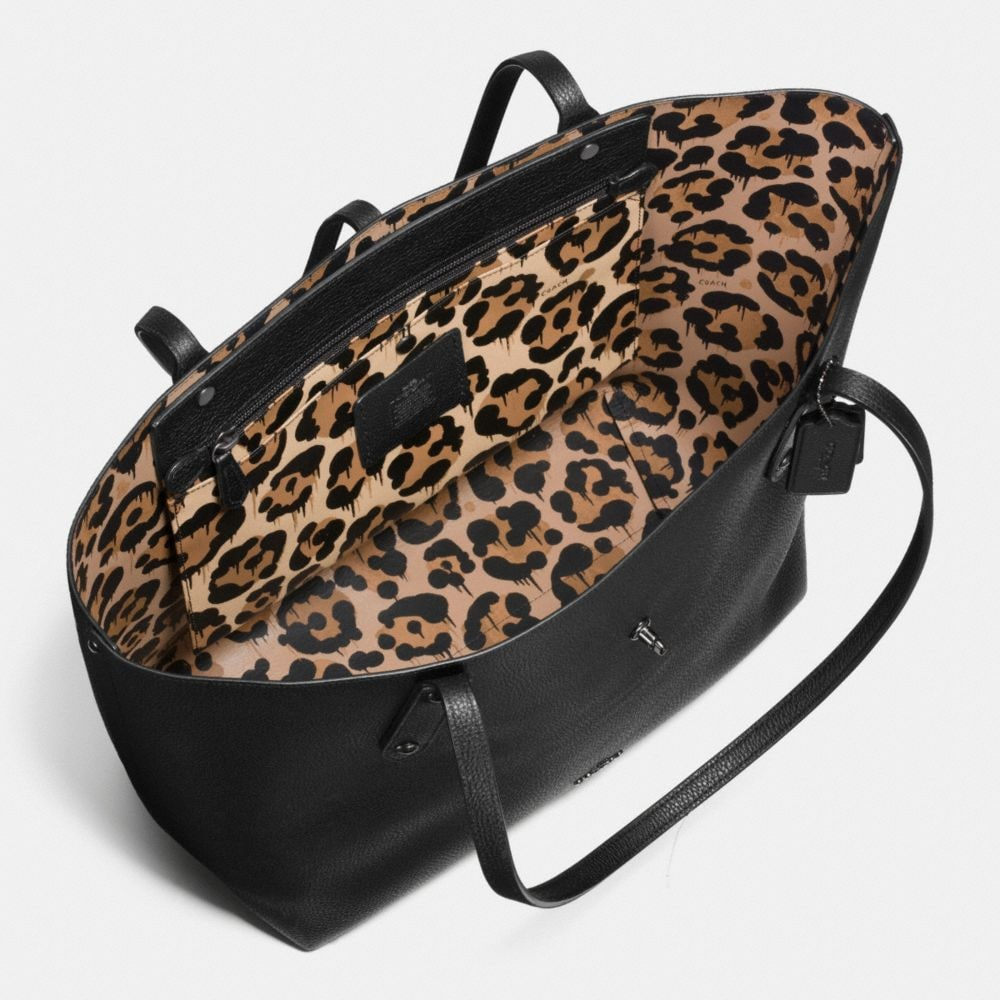 Market Tote With Wild Beast Print Lining - Alternate View A3