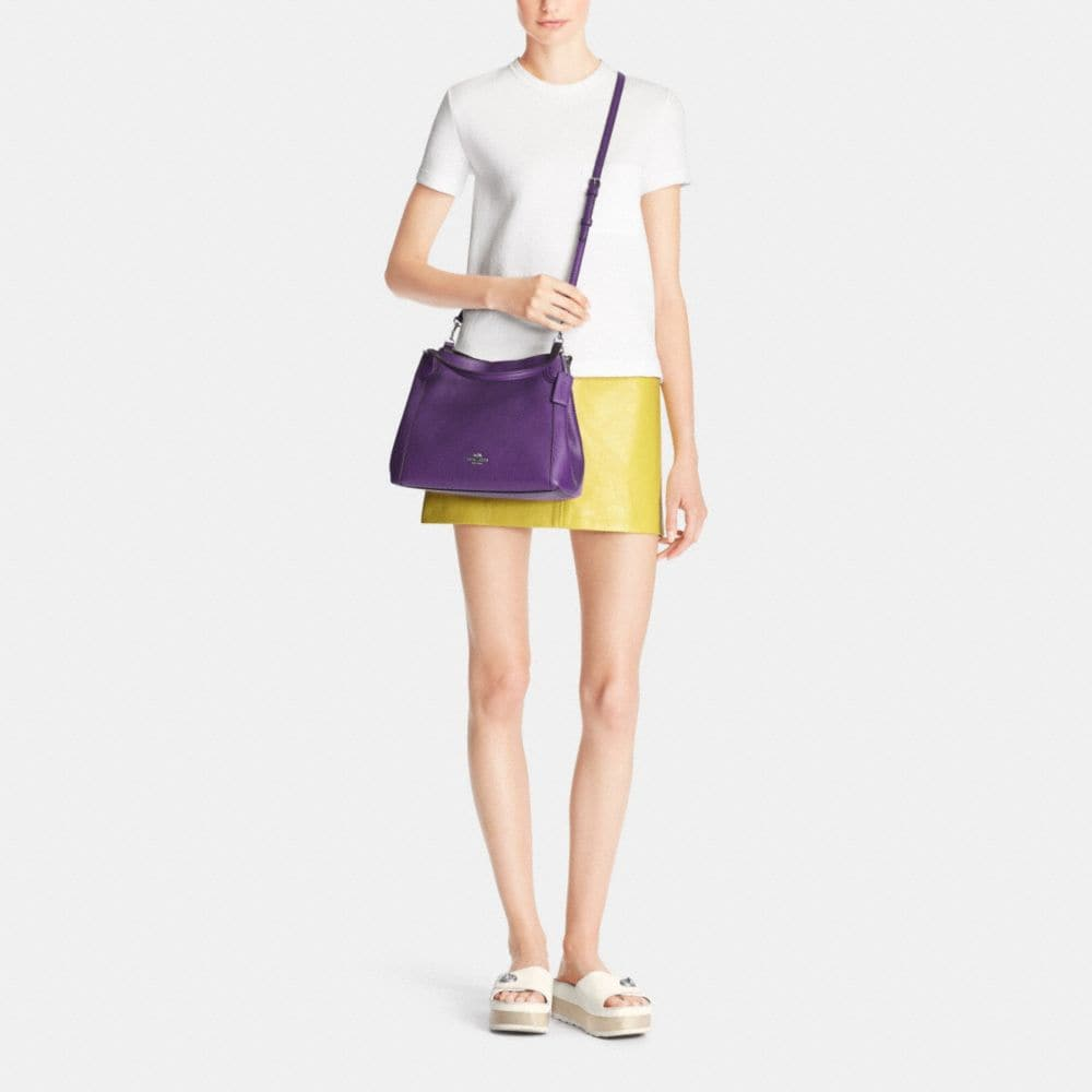 EDIE 28 SHOULDER BAG IN POLISHED PEBBLE LEATHER - Autres affichages M1
