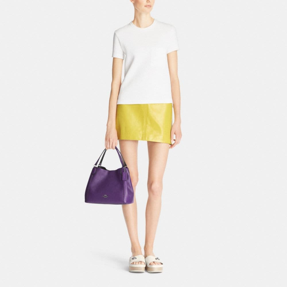 EDIE 28 SHOULDER BAG IN POLISHED PEBBLE LEATHER - Autres affichages M2