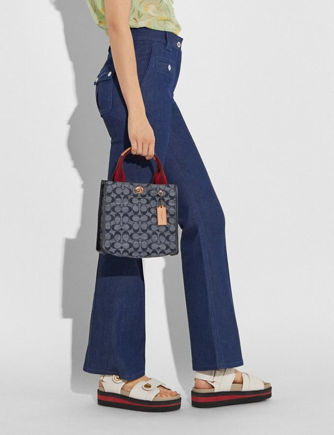 Coach Tote 22 in Signature Chambray B4/Chambray Midnight Navy Mlti Women Bags Totes Alternate View 3