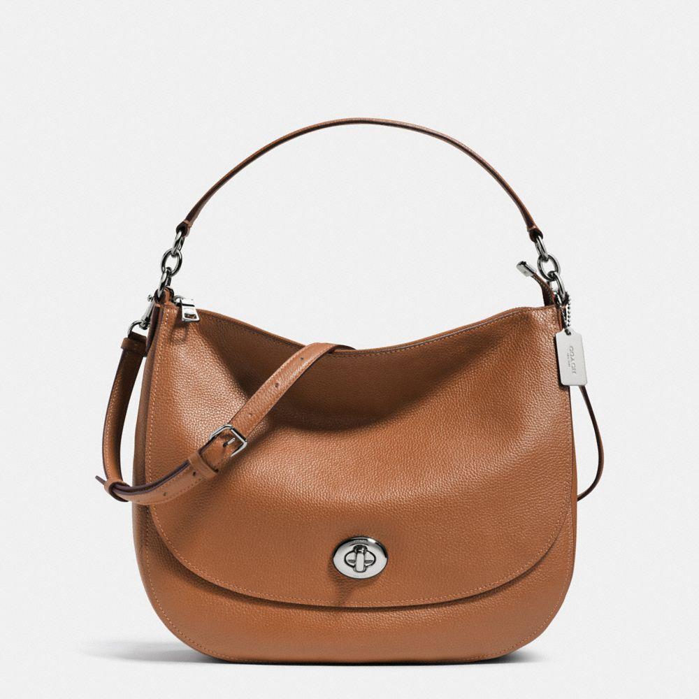 Turnlock Hobo in Pebble Leather