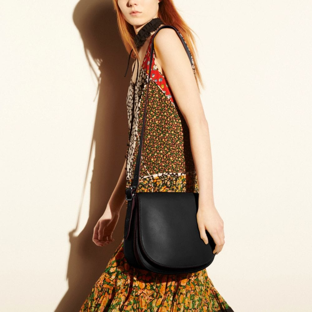 Saddle Bag in Glovetanned Leather - Autres affichages A4