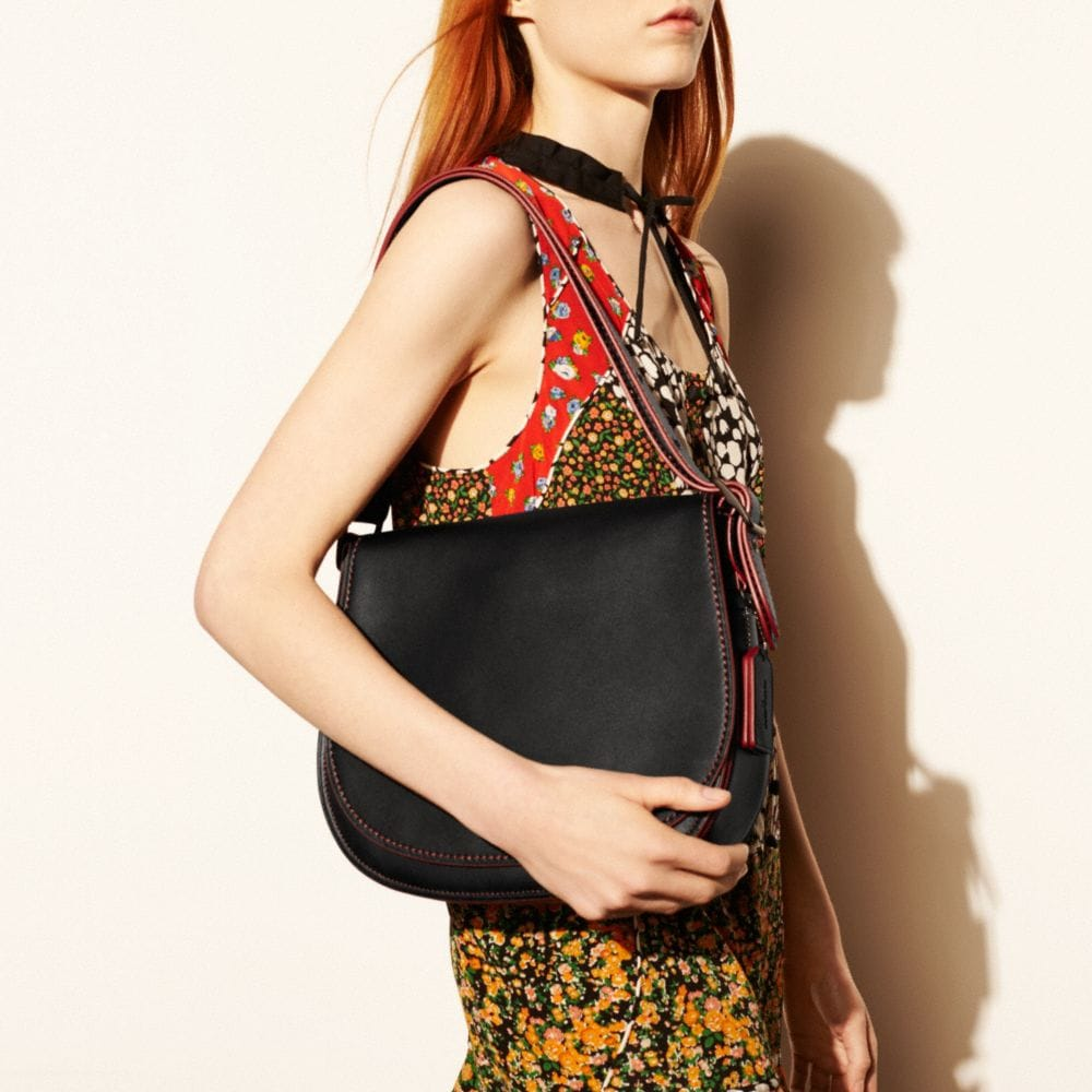 Saddle Bag in Glovetanned Leather - Autres affichages A5