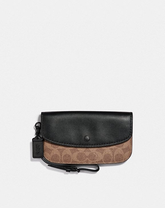 Coach CLUTCH IN COLORBLOCK SIGNATURE CANVAS
