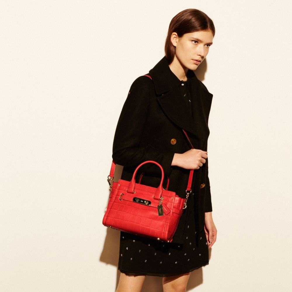 Coach Swagger 27 in Croc Embossed Leather - Autres affichages A4