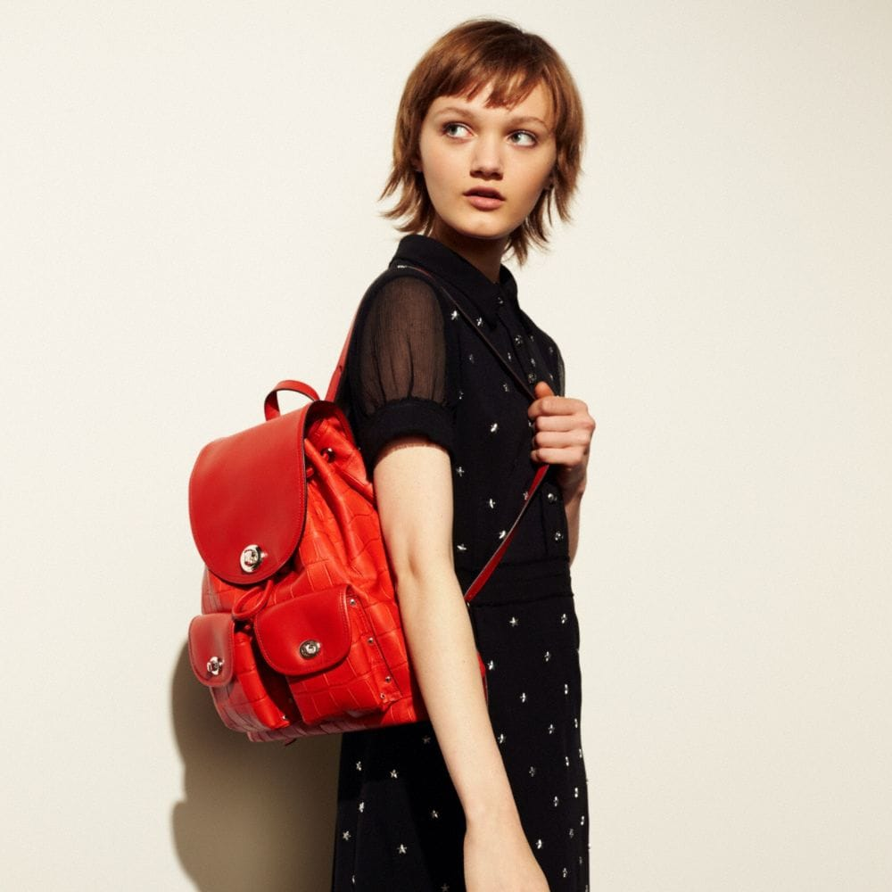 TURNLOCK RUCKSACK IN CROC EMBOSSED LEATHER - Autres affichages A4
