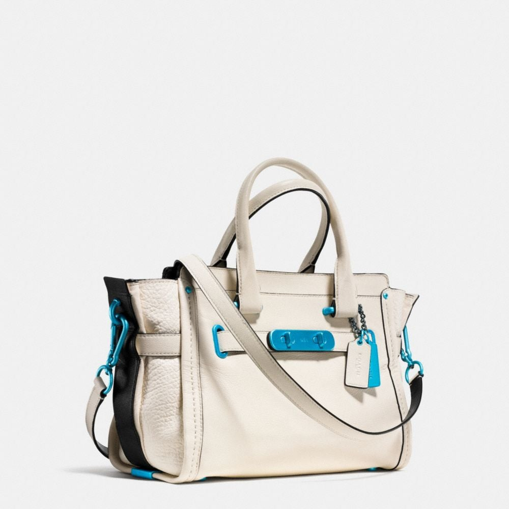 COACH SOFT SWAGGER 27 WITH CARABINER HARDWARE IN GRAIN LEATHER - Autres affichages A2