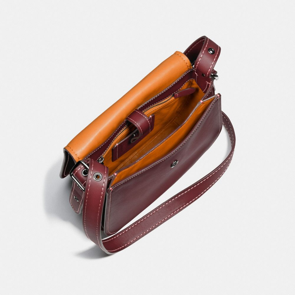 SADDLE BAG 23 IN BURNISHED GLOVETANNED LEATHER - Autres affichages A3