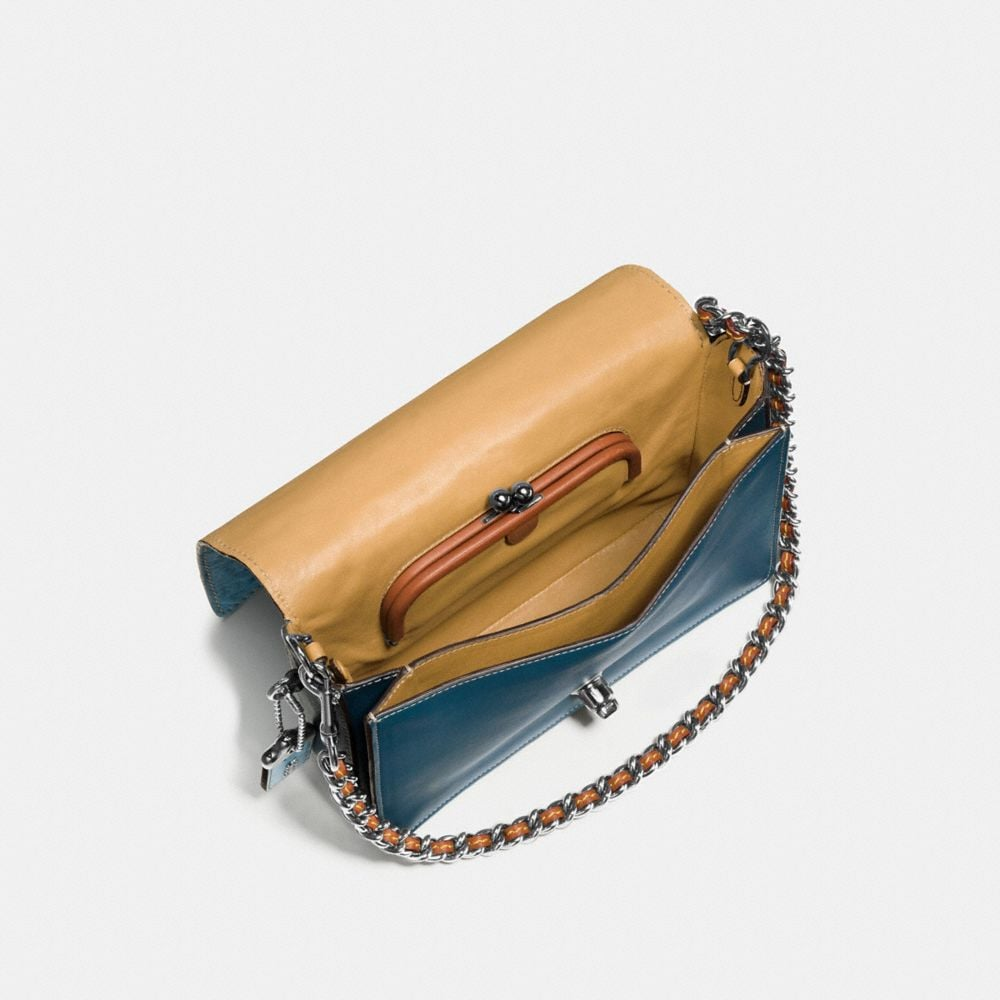 Dinky Crossbody 24 in Ostrich - Autres affichages A3