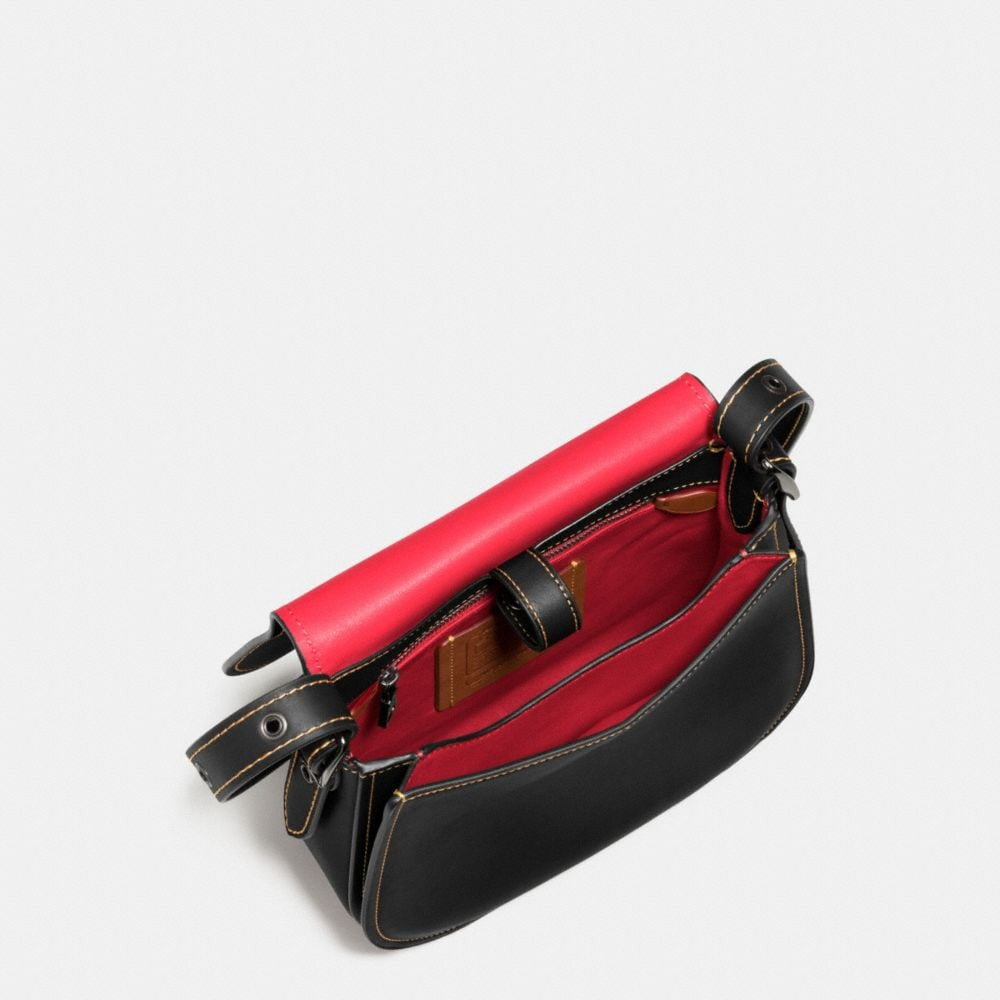 MICKEY SADDLE BAG 23 IN GLOVETANNED LEATHER - Autres affichages A4