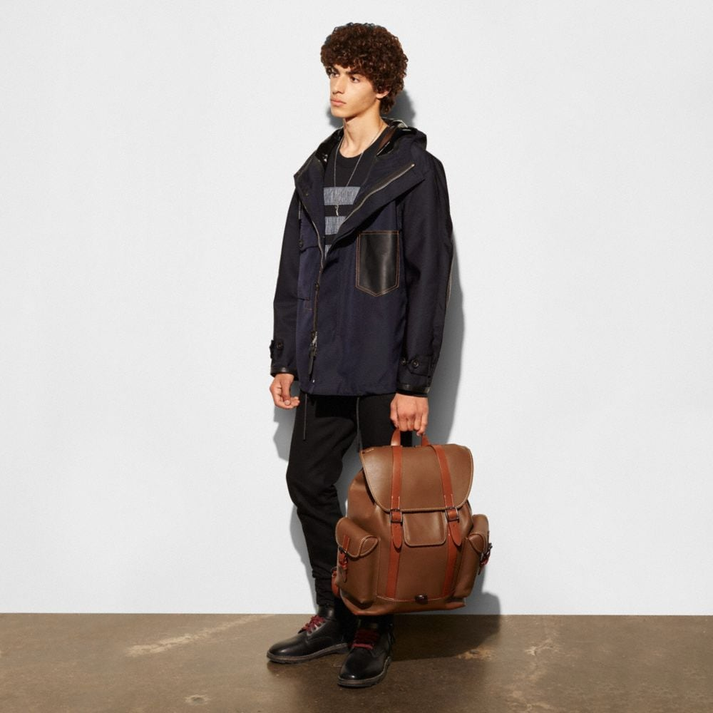 GOTHAM BACKPACK IN GLOVETANNED LEATHER - Autres affichages A4