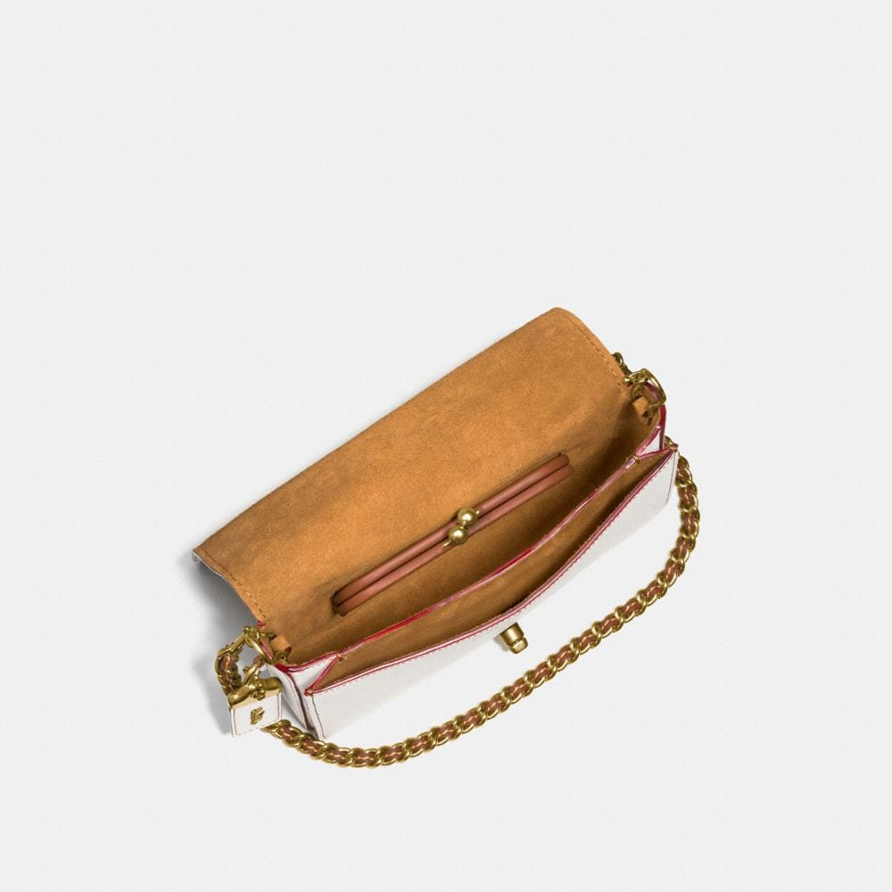 RIVETS DINKY CROSSBODY IN PEBBLE LEATHER - Autres affichages A3