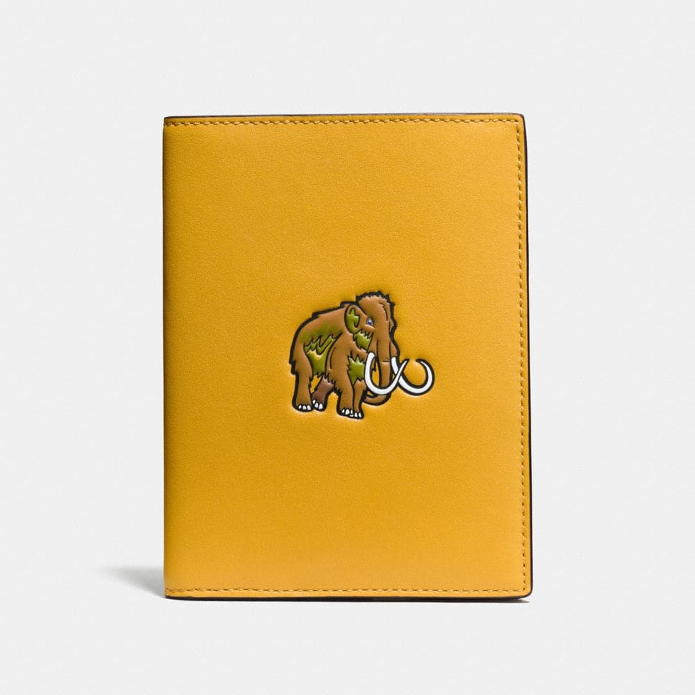 COACH BEAST PASSPORT CASE IN GLOVETANNED LEATHER