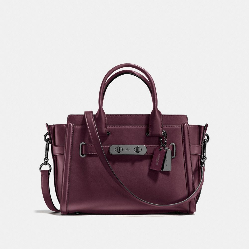 COACH: Coach Swagger 27 in Glovetanned Leather
