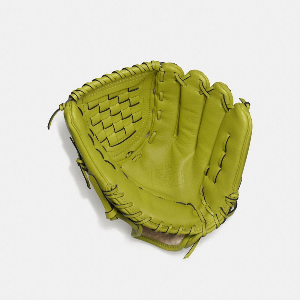 Baseball Glove in Glovetanned Leather