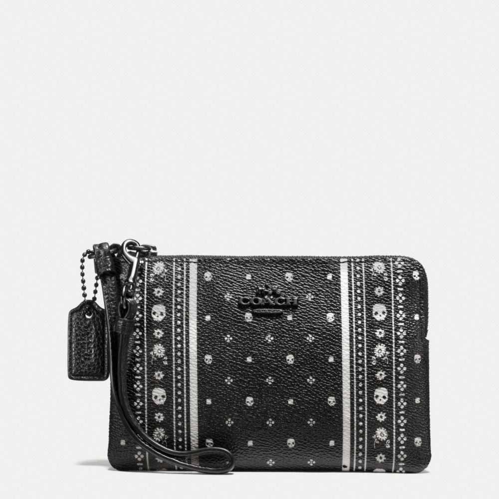 CORNER ZIP WRISTLET IN SKULL BANDANA PRINT LEATHER