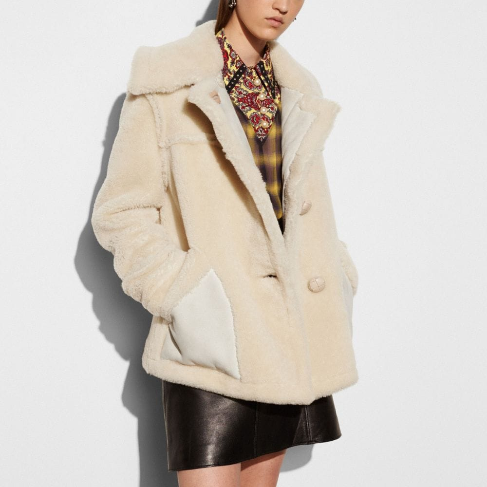Short Shearling Coat With Printed Lining - Alternate View M