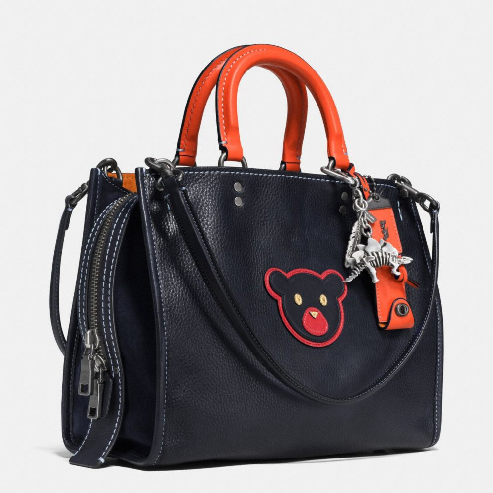 Bear Rogue Bag in Glovetanned Pebble Leather - Alternate View A3