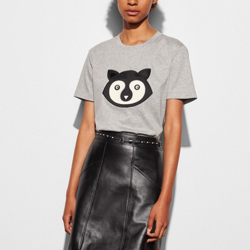 EMBELLISHED PATCH RACCOON T-SHIRT