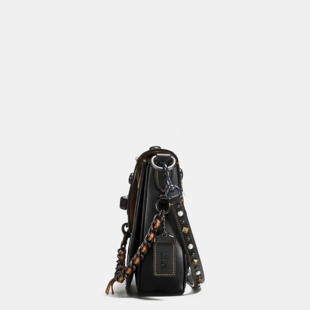 Western Embroidery Turnlock Saddle Bag 23 in Glovetanned Leather - Autres affichages A1
