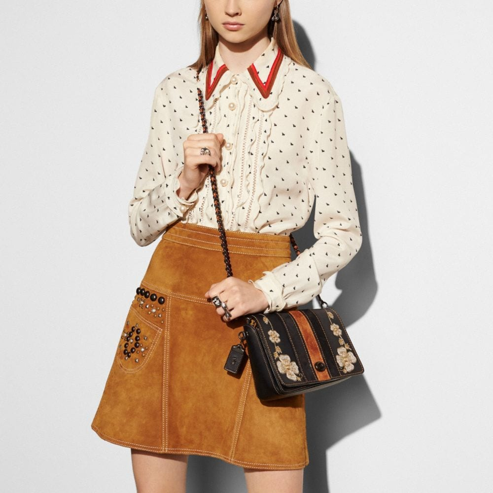 WESTERN EMBROIDERY DINKY CROSSBODY 24 IN GLOVETANNED LEATHER - Autres affichages A3