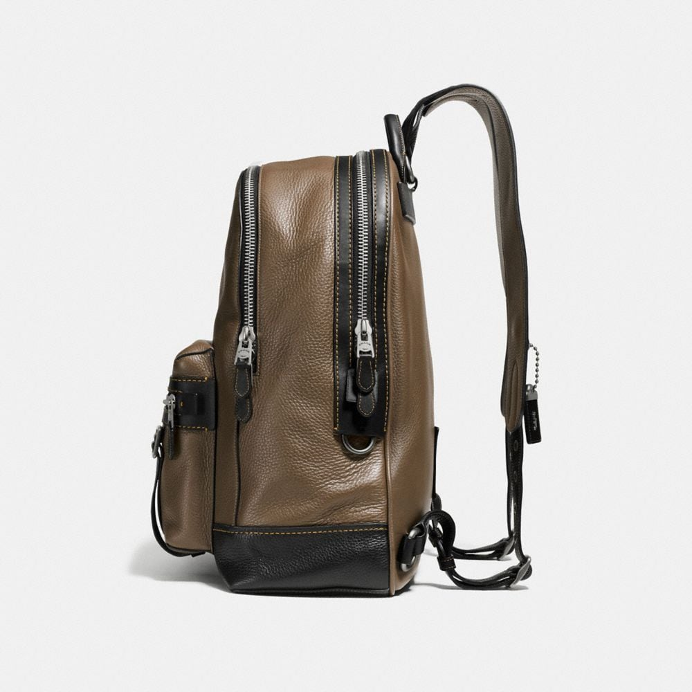 Flag Backpack in Pebble Leather - Visualizzazione alternativa A1