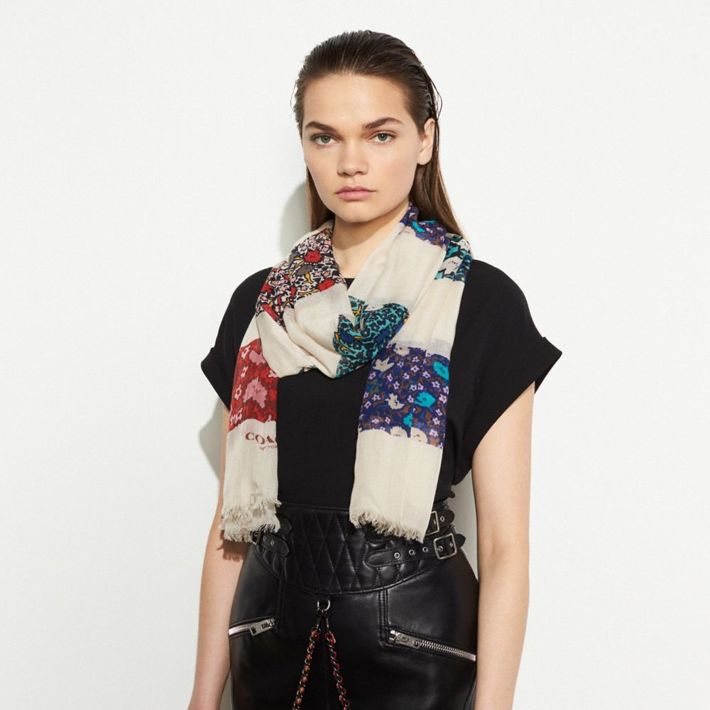 Coach Yankee Floral Patchwork Oblong Alternate View 1