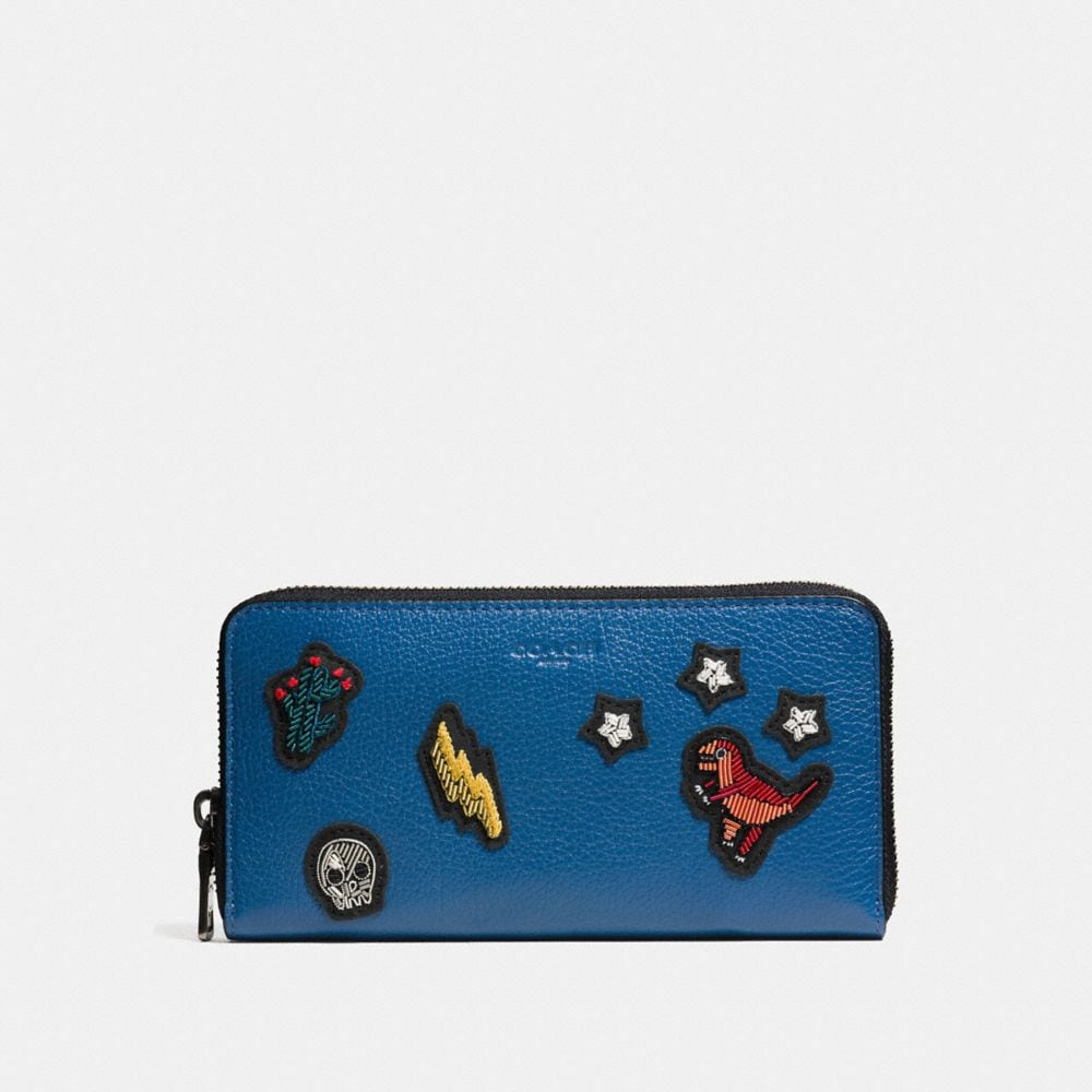Accordion Zip Wallet in Grain Leather With Patches