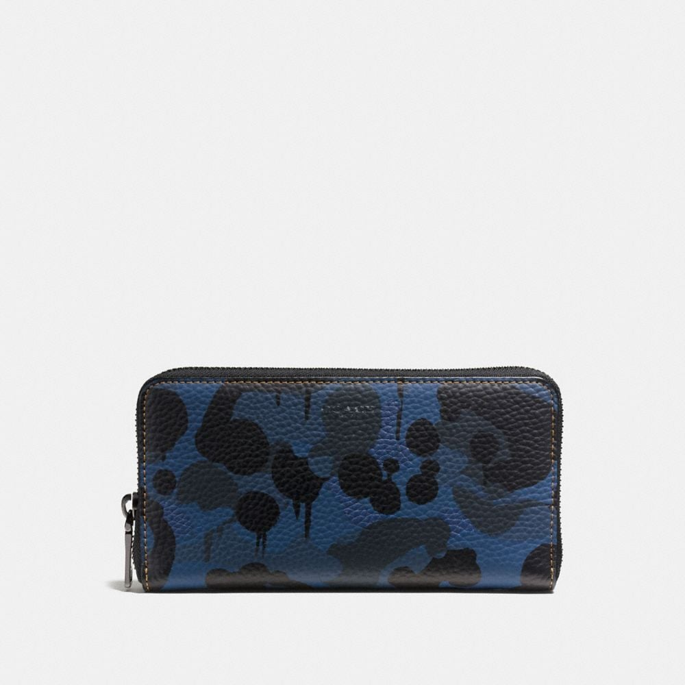 ACCORDION WALLET WITH WILD BEAST PRINT