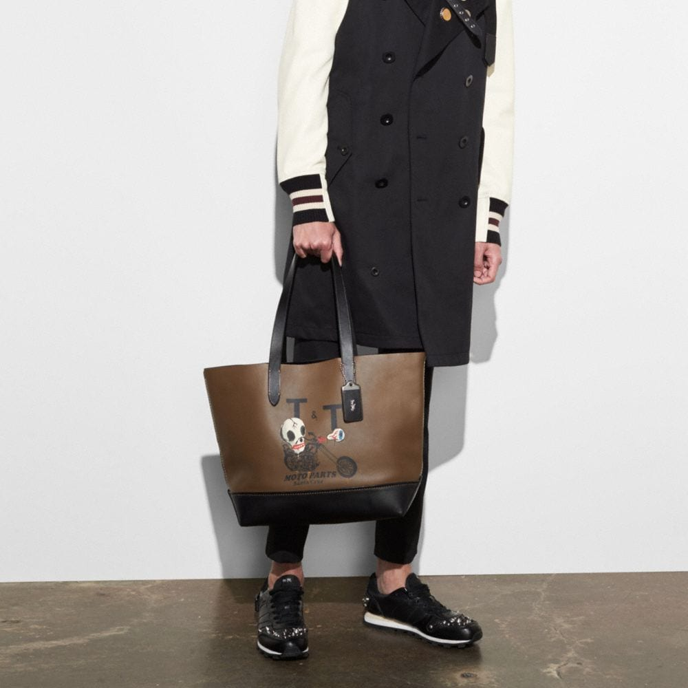 Gotham Tote in Glove Calf Leather With Wild Moto Print - Visualizzazione alternativa A3