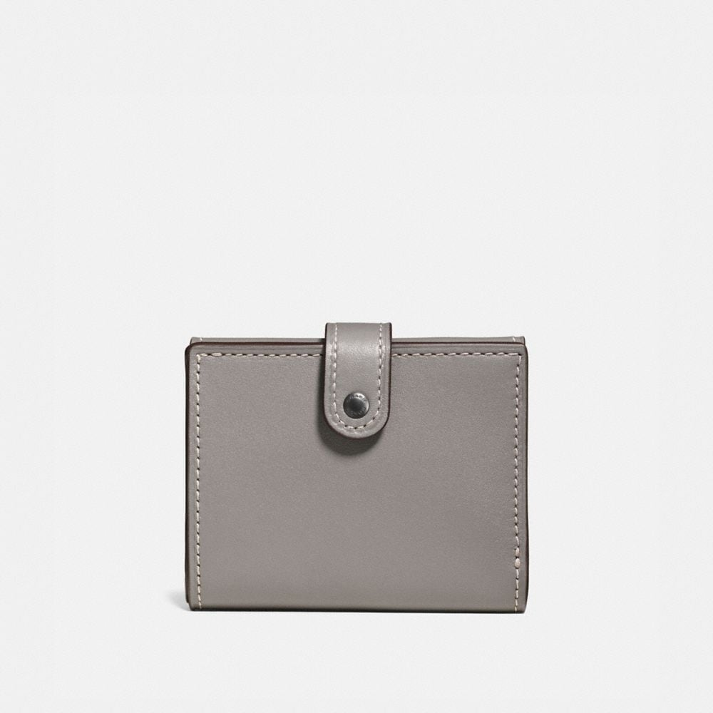Small Trifold Wallet in Glovetanned Leather