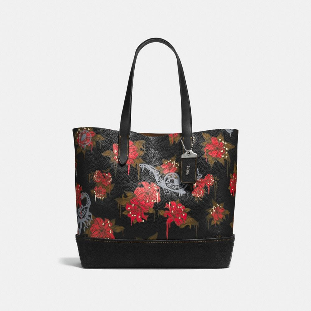 Gotham Tote in Pebble Leather With Wild Lily Print