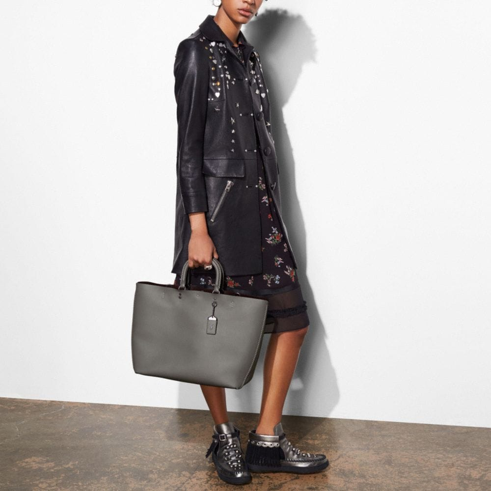 Rogue Tote in Glovetanned Calf Leather - Autres affichages A4