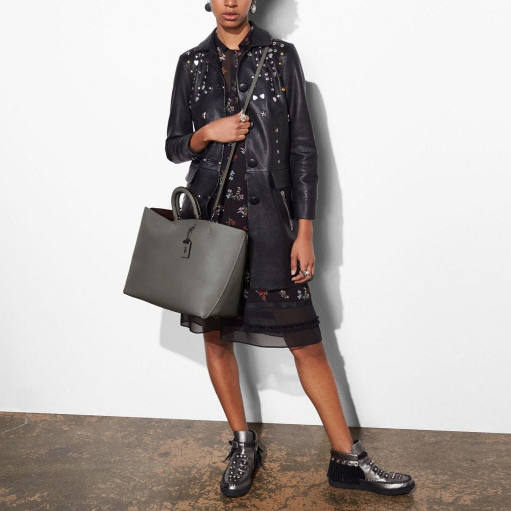 Rogue Tote in Glovetanned Calf Leather - Autres affichages A5