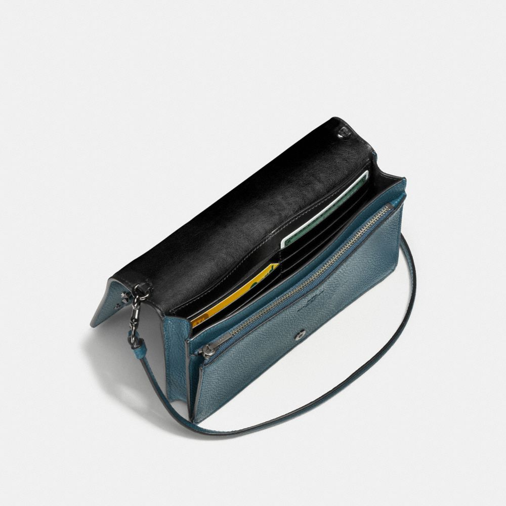 Foldover Crossbody Clutch in Polished Pebble Leather With Willow Floral Detail - Visualizzazione alternativa A2